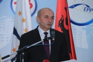 Kosovo Isa Mustafa
