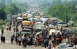 Izbeglicka-kolona-ka-Srbiji-5-avgusta-1995
