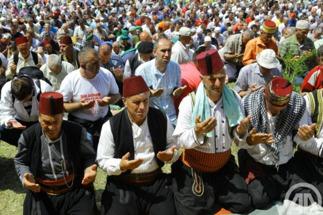 FOTO Bošnjačko nametanja lažne istine
