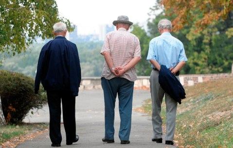 FOTO Opozicionari zreli za penziju